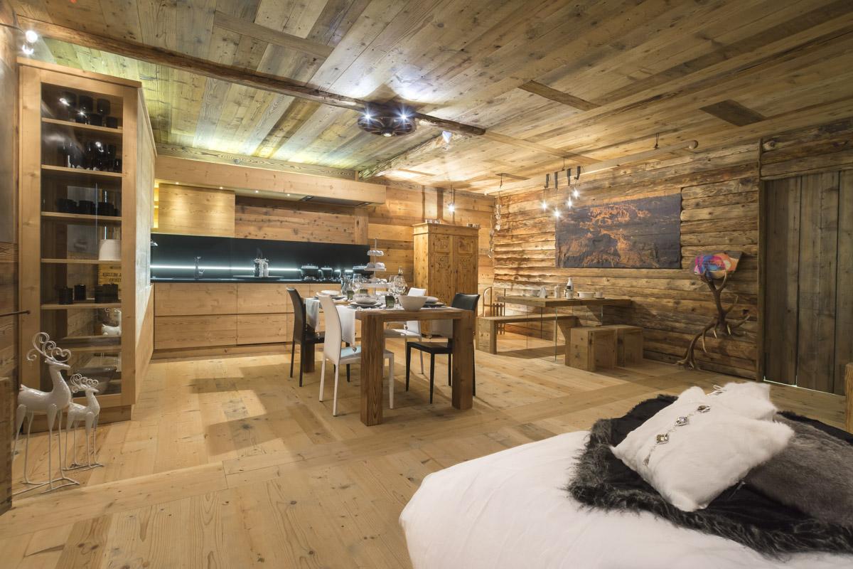 Falegnameria hermann ambienti con arredamenti artigianali for Case moderne interni cucine
