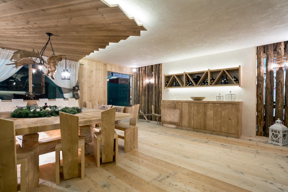 Taverna arredamento taverna rustica with taverna for Arredamento taverna