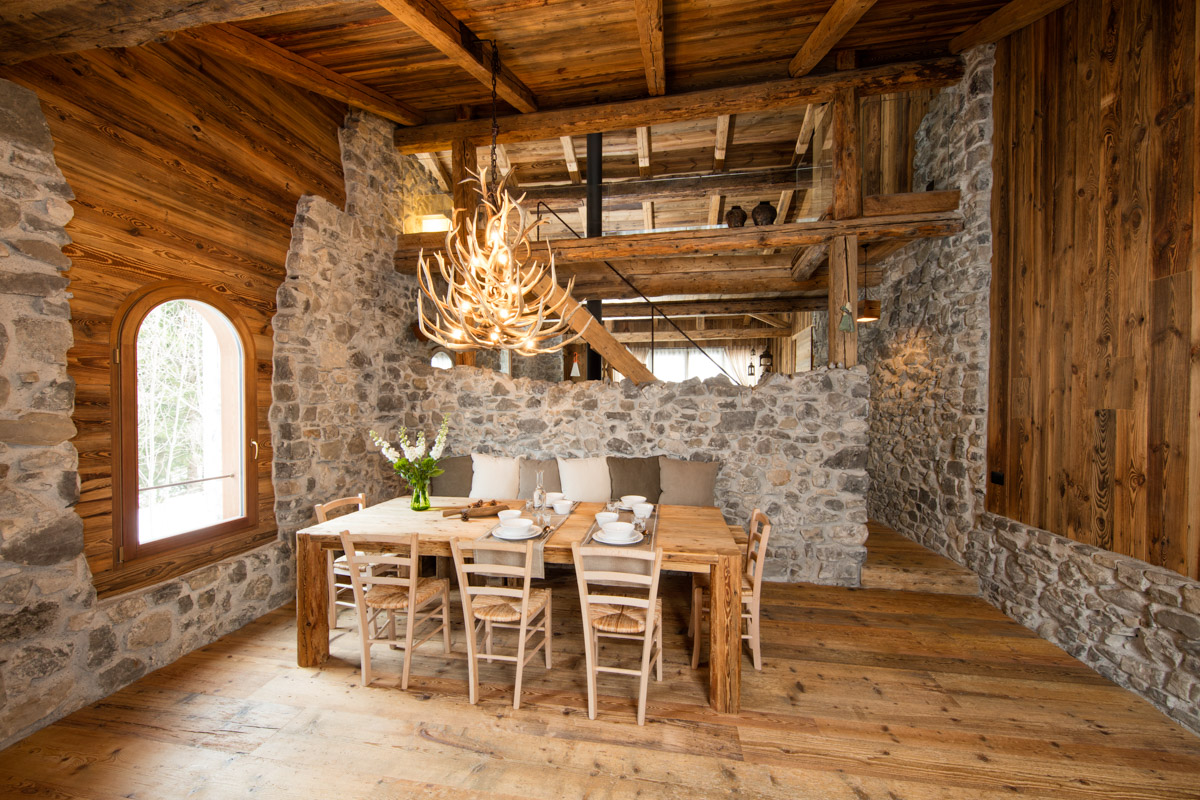 Falegnameria hermann casa averau for Arredamento cascina