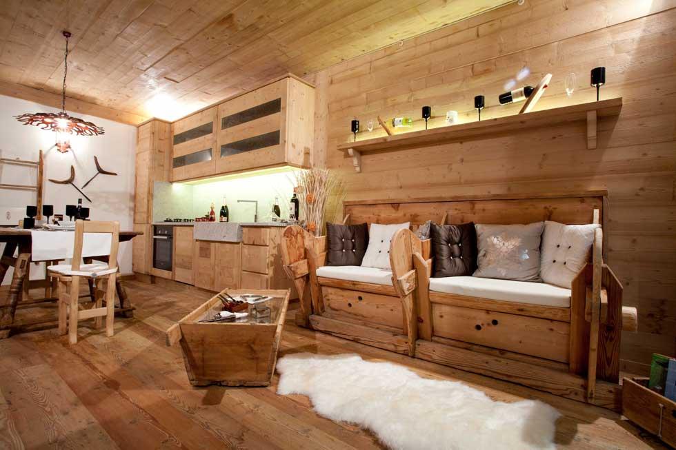 Interni Rustici Ristrutturati : Arredamenti rustici per interni great scale e ringhiere in legno
