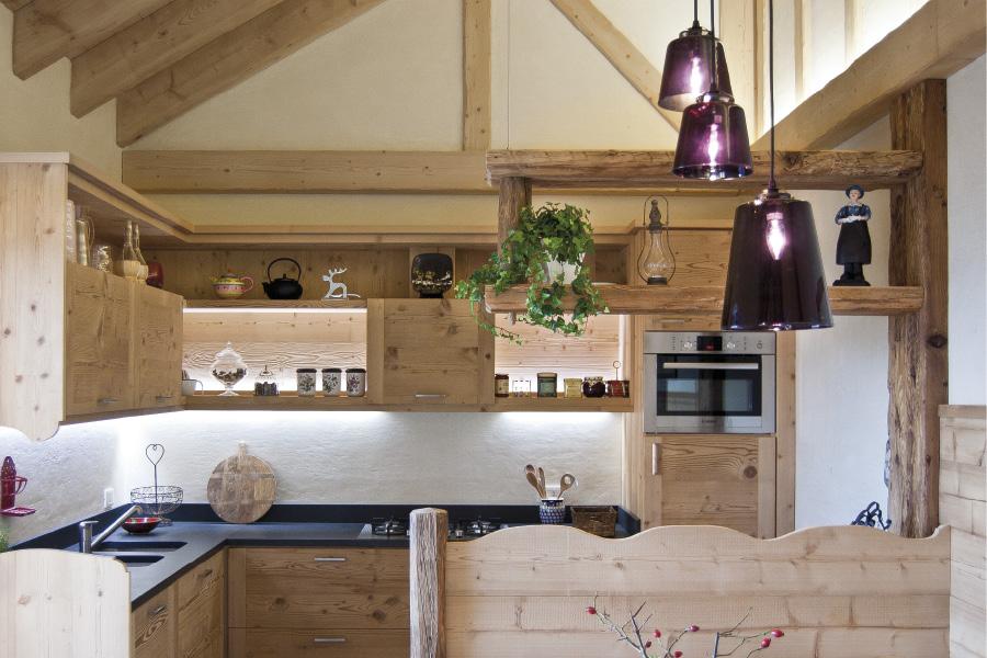 Falegnameria hermann casa marmolada for Arredamento di montagna moderno