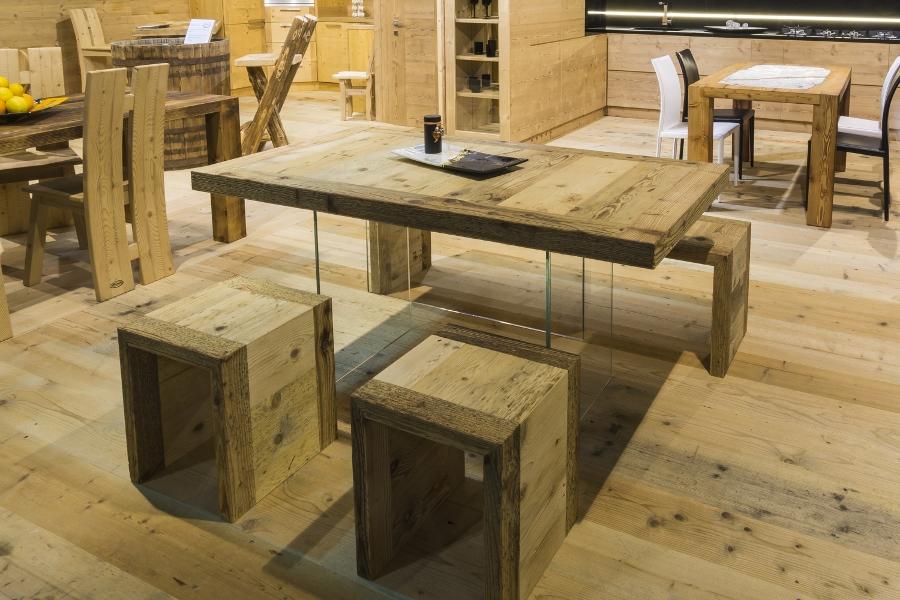 Tavoli in legno antichi falegnameria hermann elementi di for Falegnameria hermann